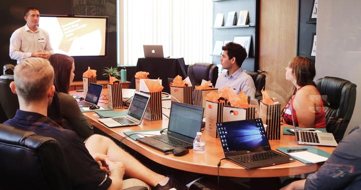 Donner du sens au travail aux collaborateur est un nouvel enjeu important pour bien-être au travail et pour l'expérience collaborateur