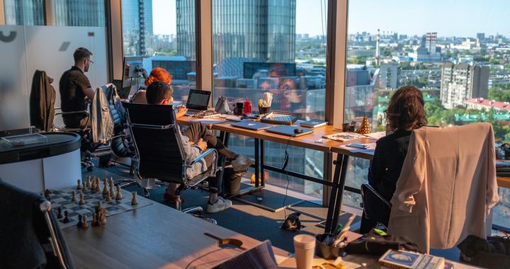 Comment lutter contre l'absentéisme au travail ? La flexibilité de l'environnement de travail est un élément important dans une démarche d'amélioration de la QVT et dans l'optique de réduire l'absentéisme au travail.