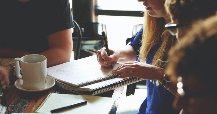 Il est important que présenter les résultats des questionnaires QVT aux répondants afin qu'il se sentent impliqués dans la démarche QVT et qu'ils participent à la mise en place des actions qui en découleront.