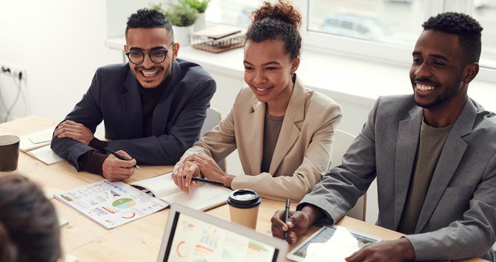Une culture d'entreprise forte et partagée permet non seulement d'attirer et de fidéliser les jeunes talents mais aussi de renforcer l'engagement au travail des collaborateurs.